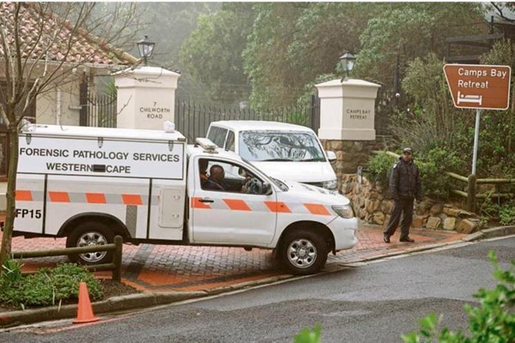 Unidad de investigación analizó habitación donde fue localizado el cadáver de Gabriela Kabrins Albán —inserta—.