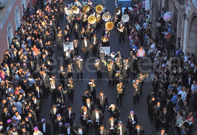 El costo de una banda de música depende del número de músicos con que esté compuesta.(Foto: Néstor Galicia)