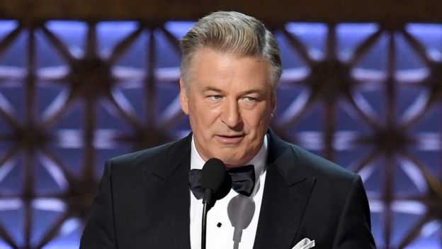 Alec Baldwin ganó el Emmy por su imitación de Donald Trump. GETTY IMAGES