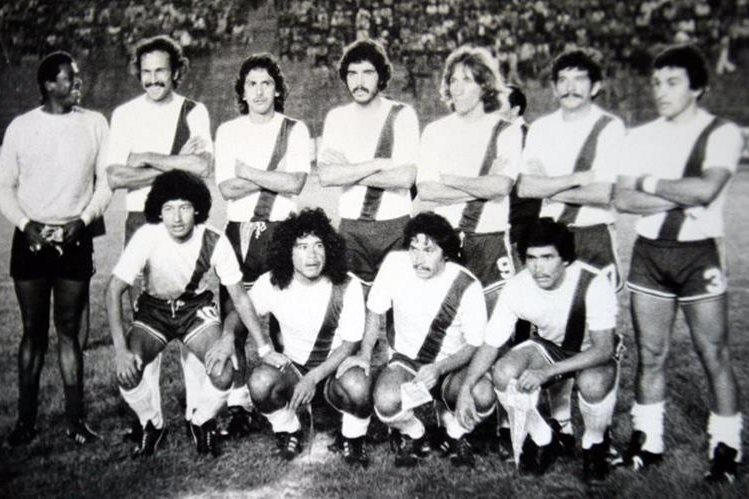 Con la selección de Guatemala, Pep Castro en la eliminatoria de 1979. (Foto Prensa Libre: Hemeroteca)