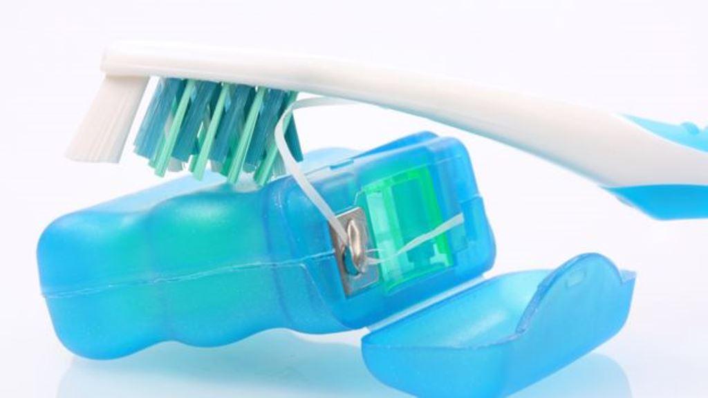 La Asociación de Dentistas de Estados Unidos sigue recomendado el cepillado al menos en dos ocasiones al día y el uso de hilo dental una vez. (THINKSTOCK)