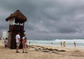 Cindy también amenaza a regiones como Cancún, México. (Foto: Prensa Libre EFE)