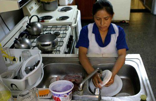 Proponen salario m nimo para el trabajo dom stico for Alta empleada de hogar