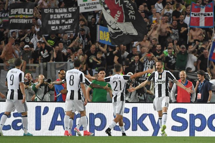 La Roma obliga a la Juventus a esperar para ser campeón
