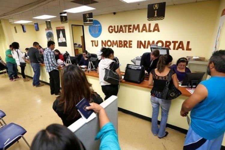 Consulados brindadn atención a los migrantes en Estados Unidos. (Foto Prensa Libre: Hemeroteca PL)
