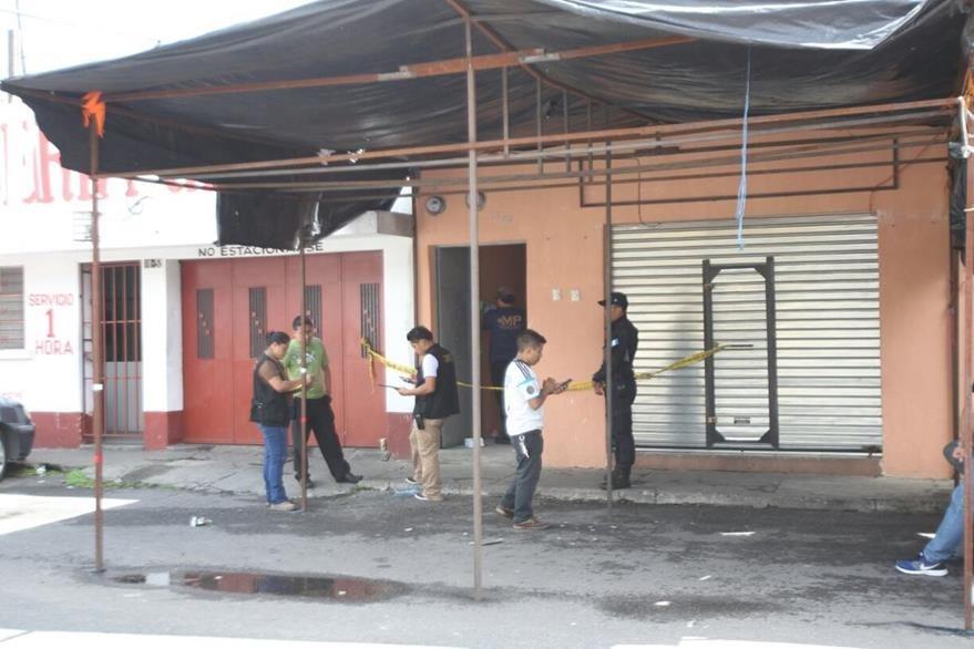 Residencia donde fue localizada degollada la maestra Magda Monje, en la zona 6. (Foto Prensa Libre: Erick Ávila)