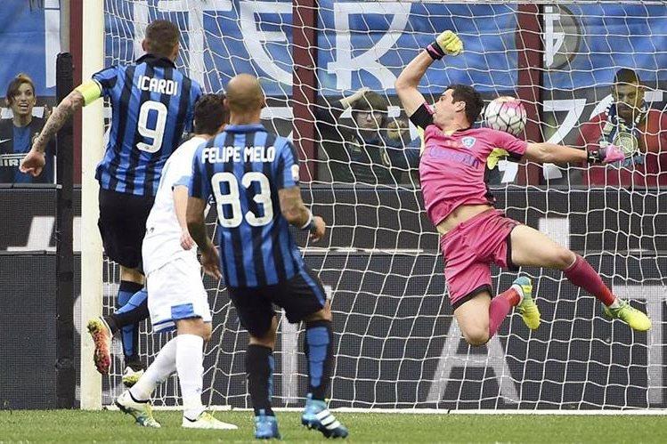 Mauro Icardi abrió el marcador a favor del Inter. (Foto Prensa Libre: AP)