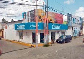 Fachada de la tienda Comex en la zona 4 de Chimaltenango