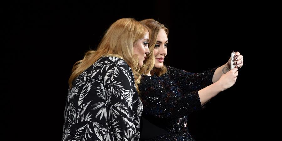 La cantante británica Adele es famosa por invitar a sus fanes al escenario. (Foto Prensa Libre: Hemeroteca PL).