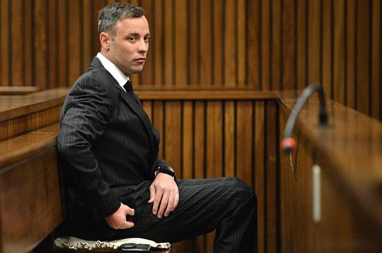 Oscar Pistorius fue sentenciado por el asesinato de su expareja Reeva Steenkamp. (Foto Prensa Libre: Hemeroteca PL)