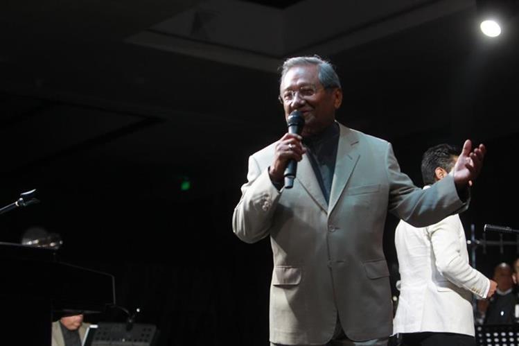 Armando Manzanero tuvo un concierto en Guatemala. (Foto Prensa Libre: Ángel Elías)