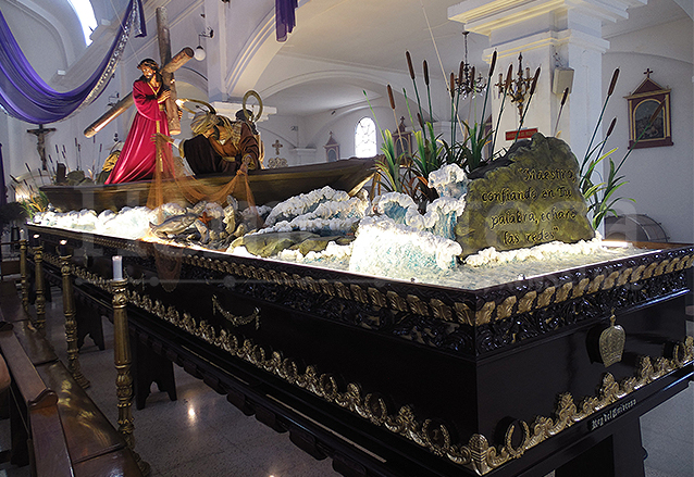 """Alegoría de la procesión de Jesús de los Milagros: """"Maestro, confiando en Tu palabra, echaré las redes"""". (Foto: Néstor Galicia)"""