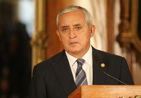 Otto Pérez Molina insiste en que no entregará la presidencia hasta el 14 de enero de 2016. (Foto Prensa Libre: Esbin García)