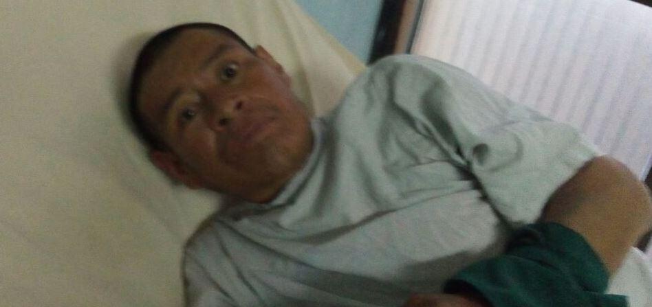 Cristobal Tiul Ordoñez fue hallado en la vía pública por socorristas, dice vivir en Totonicapán. (Foto Prensa Libre: Hospital San Juan de Dios)