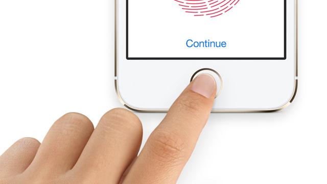 El sistema Touch ID permite a los usuarios desbloquear el terminal con su huella dactilar, pero ahora no será suficiente si se deja el móvil más de ocho horas sin usar. (Foto: Hemeroteca PL).