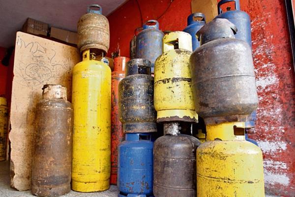 el precio  promedio   del cilindro de gas de 25 libras es de Q79.07   a escala nacional, según el IPC.