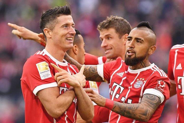 Lewandowski no podía faltar en la fiesta goleadora bávara. (Foto Prensa Libre: EFE)