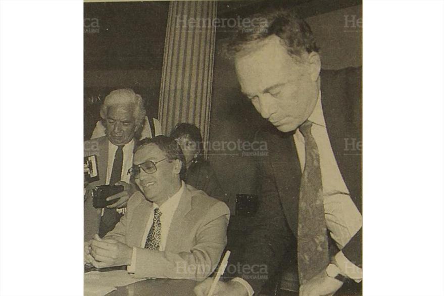El secretario general del PR, Rafael Arriaga Martínez, exigen la renuncia al diputado Chinchilla Vega el 18/03/1994. ( Foto: Hemeroteca PL)