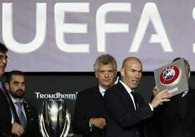 Zinedine Zidane compareció a los medios luego de ganar con el Real Madrid La Supercopa de Europa. (Foto Prensa Libre: EFE)