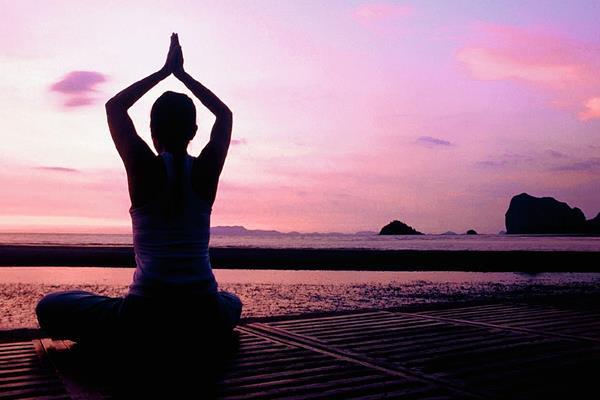 El yoga, originario de la India, gana cada vez más adeptos en el mundo occidental (Foto: Hemeroteca PL).
