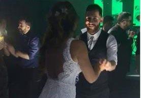 Antonella y Messi no perdieron ningún momento en la pista de baile. (Foto Prensa Libre: Captura de Pantalla Instagram)
