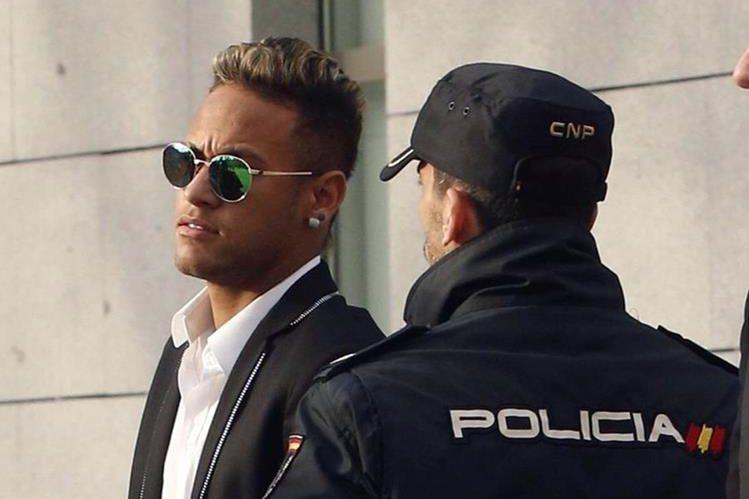 Resultado de imagen para neymar multa