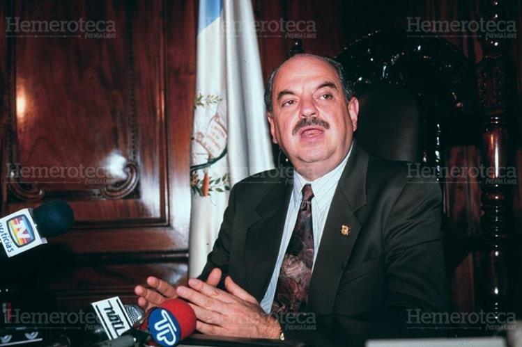 Serrano Elías opina sobre el mal manejo de fondos en el Gobierno de Cerezo. (Foto: Hemeroteca PL)