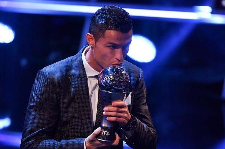 Cristiano Ronaldo fue electo como el Mejor Jugador de la Fifa del 2017. (Foto Prensa Libre: AFP).