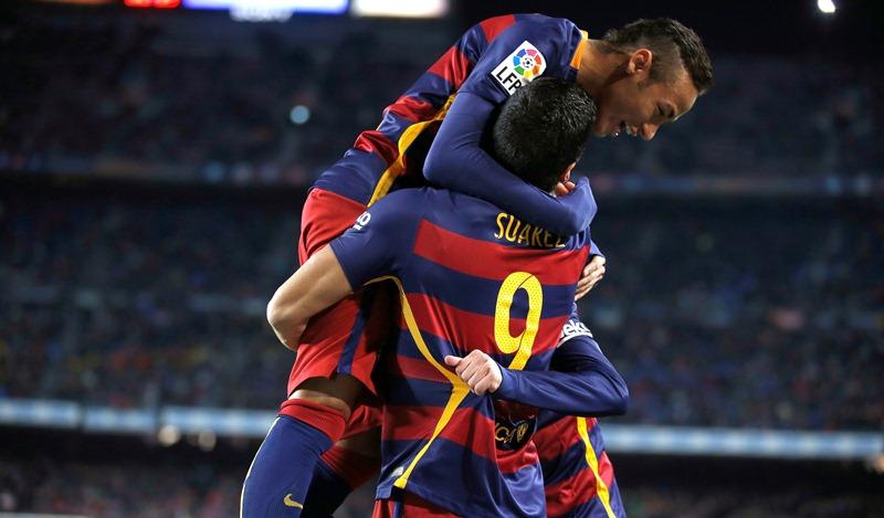 Neymar vivió una noche mágica en el Camp Nou. (Foto Prensa Libre: AP)