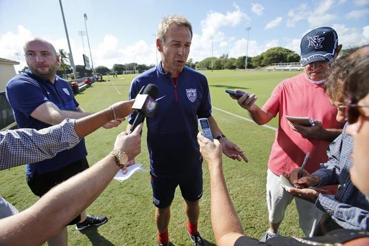 Jurgen Klinsmann se encuentra en la cuerda floja luego de perder los dos primeros partidos del hexagonal final. (Foto Prensa Libre: AP).