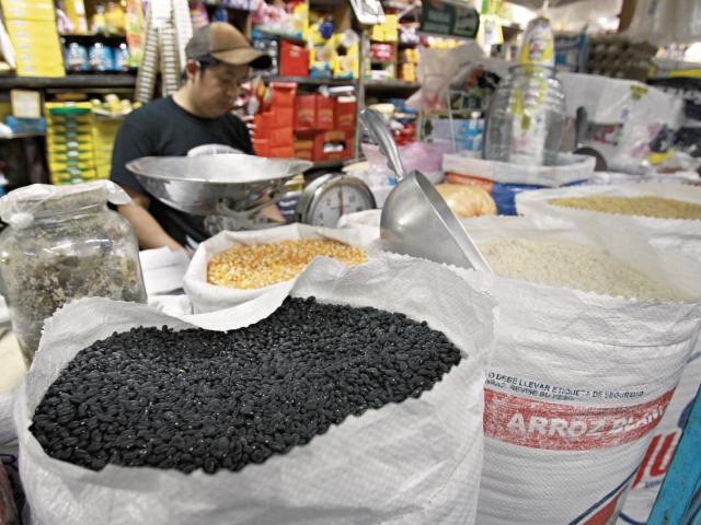 Costo de productos de la canasta básica se incrementó en julio, particularmente en alimentos.