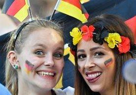 Las aficionadas de Alemania e Italia dieron el toque especial.