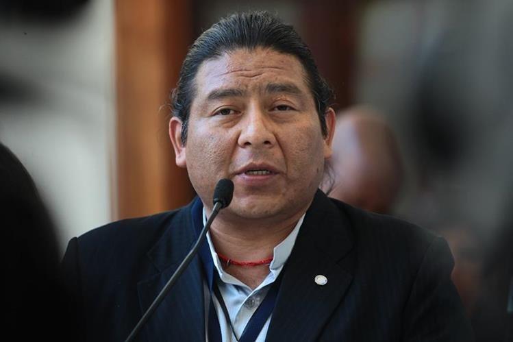 Álvaro Pop, analista político, considera que el enfrentamiento y la poca madurez política hará que la reforma tenga éxito relativo.