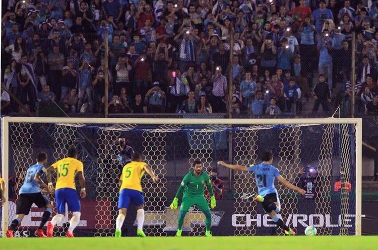 El penalti de Cavani significó su noveno tanto en las clasificatorias al Mundial de Rusia 2018.