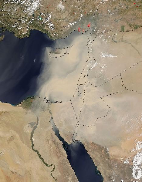 Foto de satélite ubica la tormanta de arena en Oriente Medio.