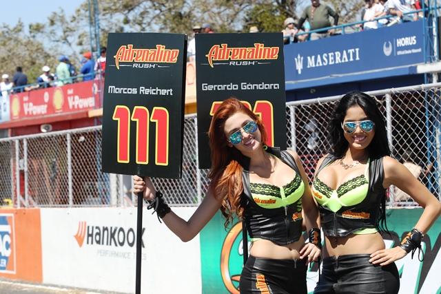 El autódromo Pedro Cofiño se viste de fiesta el domingo, con el cierre del campeonato nacional de automovilismo. (Foto Prensa Libre: Óscar Felipe)
