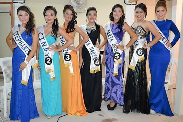 Siete jóvenes aspiran a ser electas como Señorita Coatepeque 2015, en Quetzaltenango. (Foto Prensa Libre: Edgar Octavio Girón)