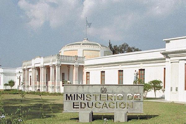 El Ministerio de Educación tiene una asignación de más de Q12 mil millones para 2016. (Foto Prensa Libre: Hemeroteca PL)