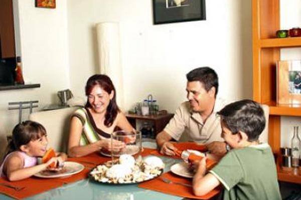 """<p>Los buenos hábitos se crean en la familia.<br _mce_bogus=""""1""""></p>"""
