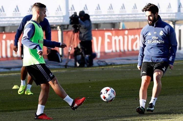 Lucas Vásquez e Isco Alarcón durante el entrenamiento del Real Madrid. (Foto Prensa Libre: Real Madrid)