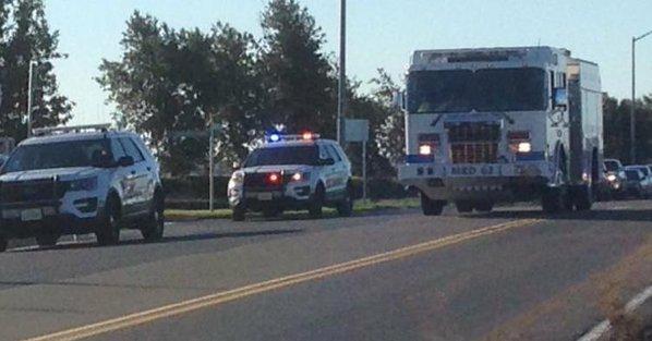 Servicio de emergencia se dirigen al lugar de los hechos. (Foto: @AmichaiStein1).