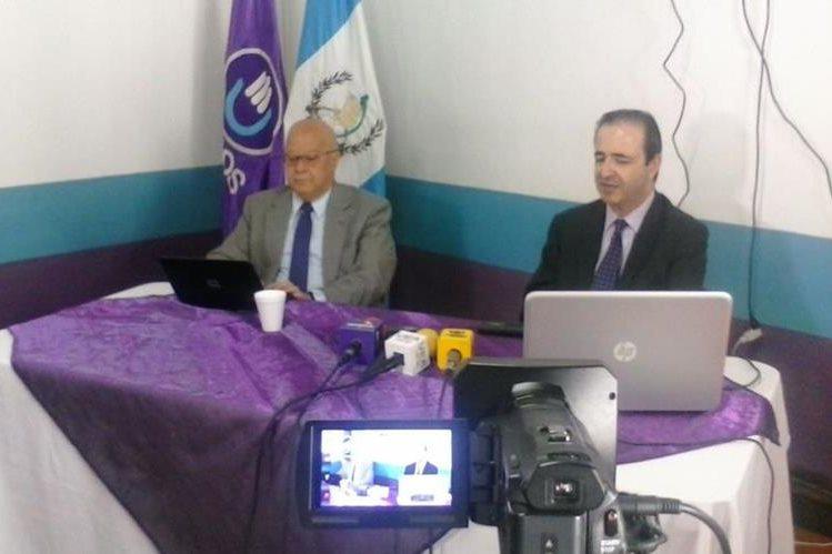 Lizardo Sosa y Mario García, presentan el Plan de Gobierno del partido Todos. (Foto Prensa Libre)