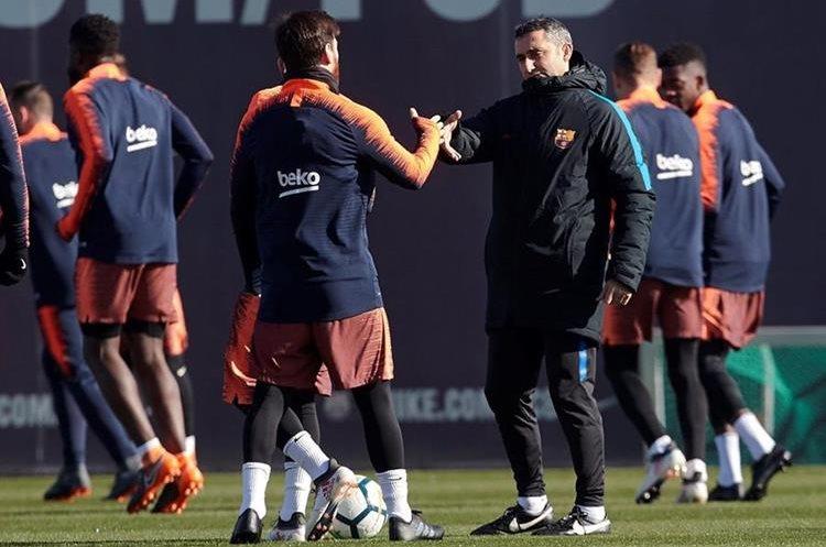 Yerry Mina inicia como titular en Barcelona