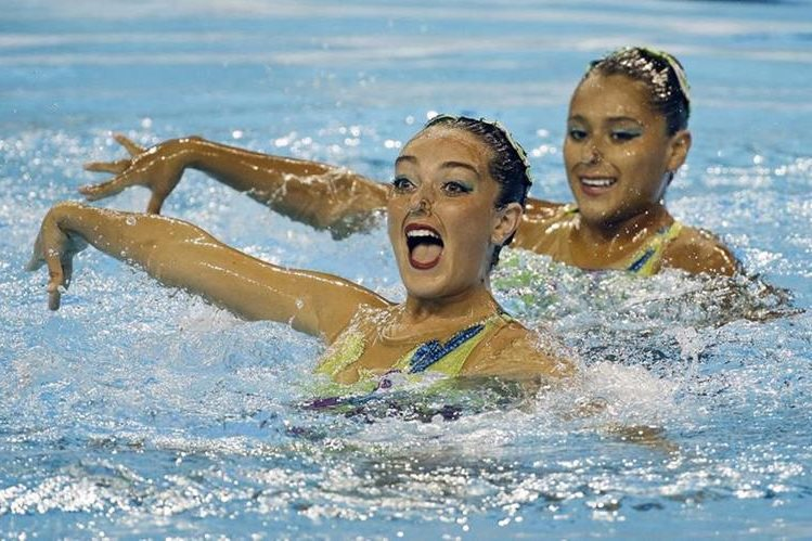 Joceline Abascal y María Castañeda en la presentación de este jueves. (Foto Prensa Libre: AP)