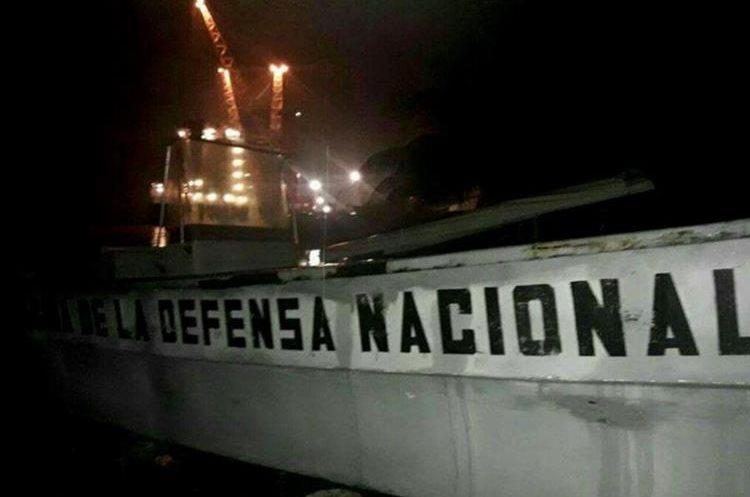 La Brigada de Infantería de Marina efectuó el rescate de la víctima. (Foto Prensa Libre: Dony Stewart)
