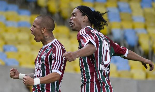 Ronaldinho no pudo convertir un gol en su corto tiempo ocn el fluminense. (Foto Prensa Libre: Hemeroteca PL)