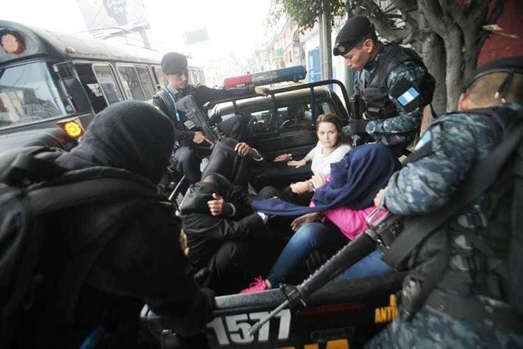 Ana Lucrecia Muñoz y dos personas más fueron detenidas en 2015 con US$1 millón. (Foto Prensa Libre: Hemeroteca PL)