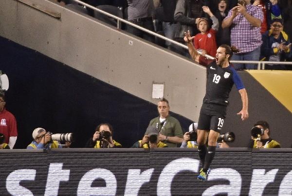 Graham Zusi cerró la goleada de Estados Unidos sobre Costa Rica en el segundo juego del grupo A. (Foto Prensa Libre: AFP)
