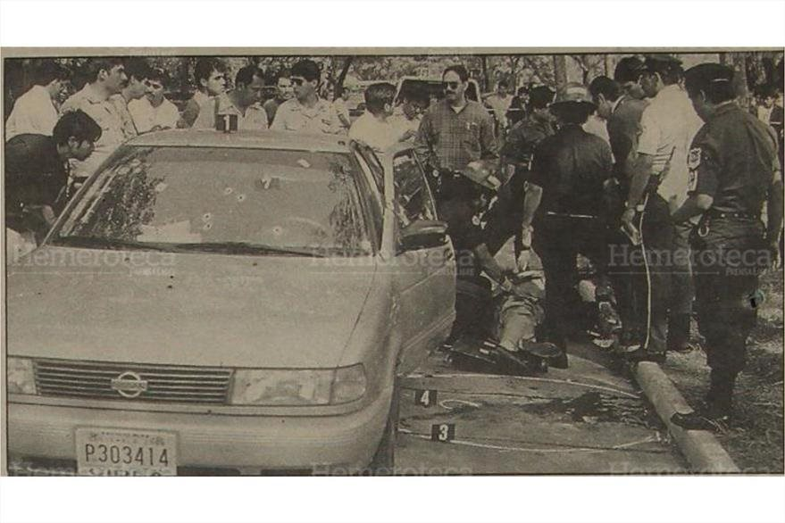 El automóvil que piloteaba el diputado Chinchilla Vega recibió más de 70 impactos de bala  en el primer ataque armado . ( Foto: Hemeroteca PL)