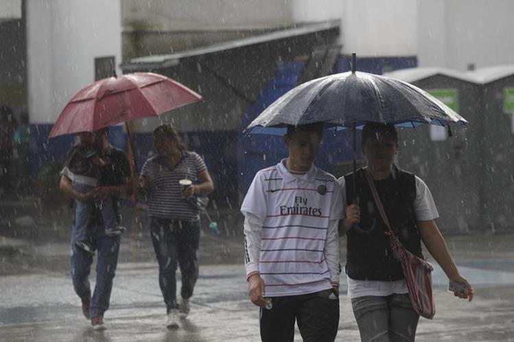 Se espera lluvia y frío en varias regiones del país, según el pronóstico del Insivumeh. (Foto Prensa Libre: Hemeroteca PL)